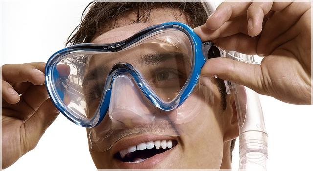ako si nasadiť potápačskú masku pred šnorchlovaním